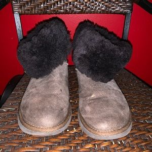 ONE DAY SALE Uggs boots